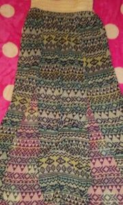 Dresses & Skirts - Rue21 size medium, has 2 slits up front with black